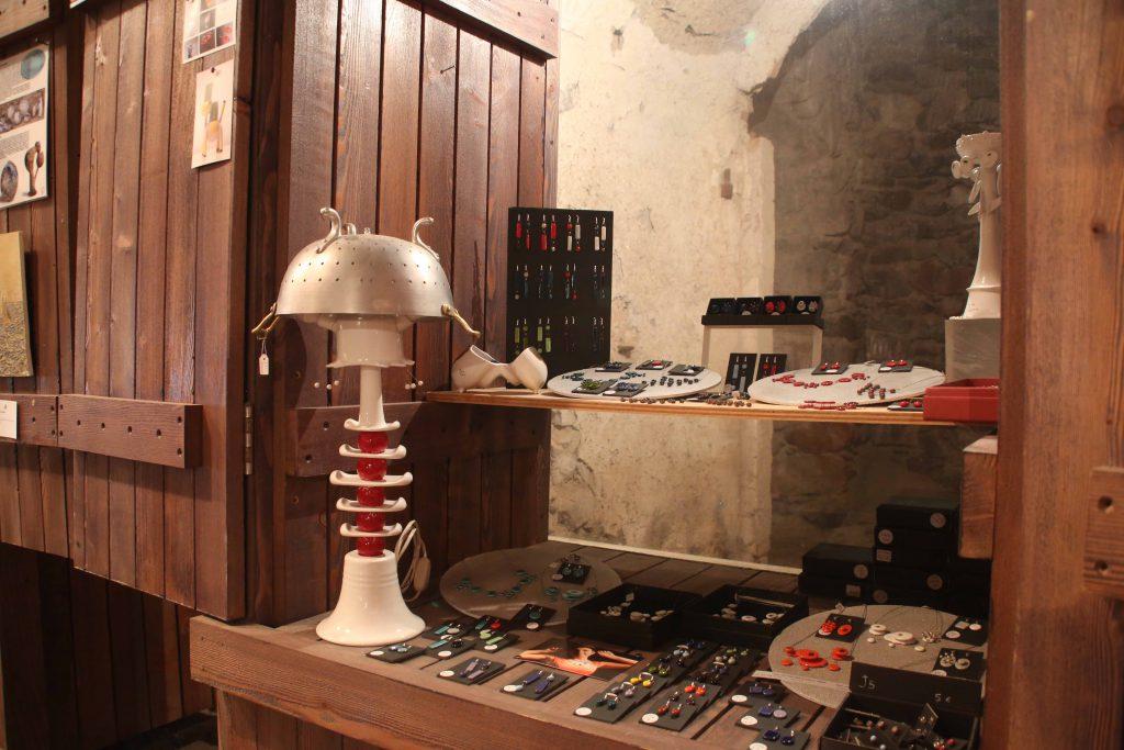 Uno stand del Temporary shop in una passata edizione